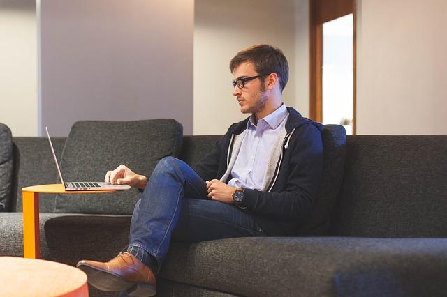 Cómo ganar dinero desde casa sin invertir